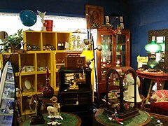 Ragtime Annie's Antiques Market photo 1