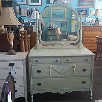 Best Rhode Island Consignment Vintage Antique And Resale