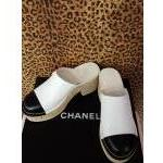 Chanel~ Black & White, Leather, Mules, Kork Heel. For Sale