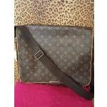 Louis Vuitton ~ Monogram, Messenger, Crossbody. For Sale