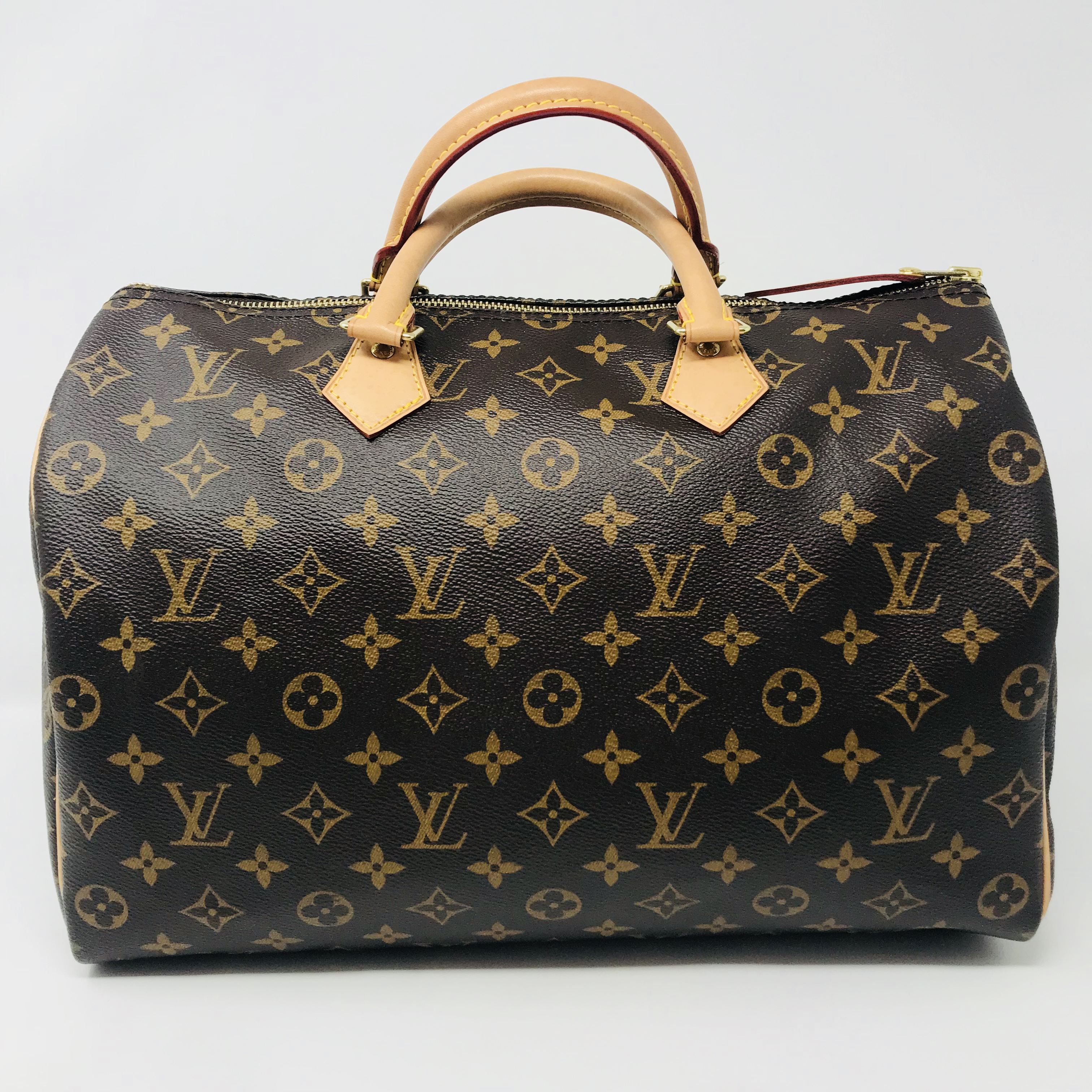 Louis Vuitton Purses, Handbags Price: $850.99